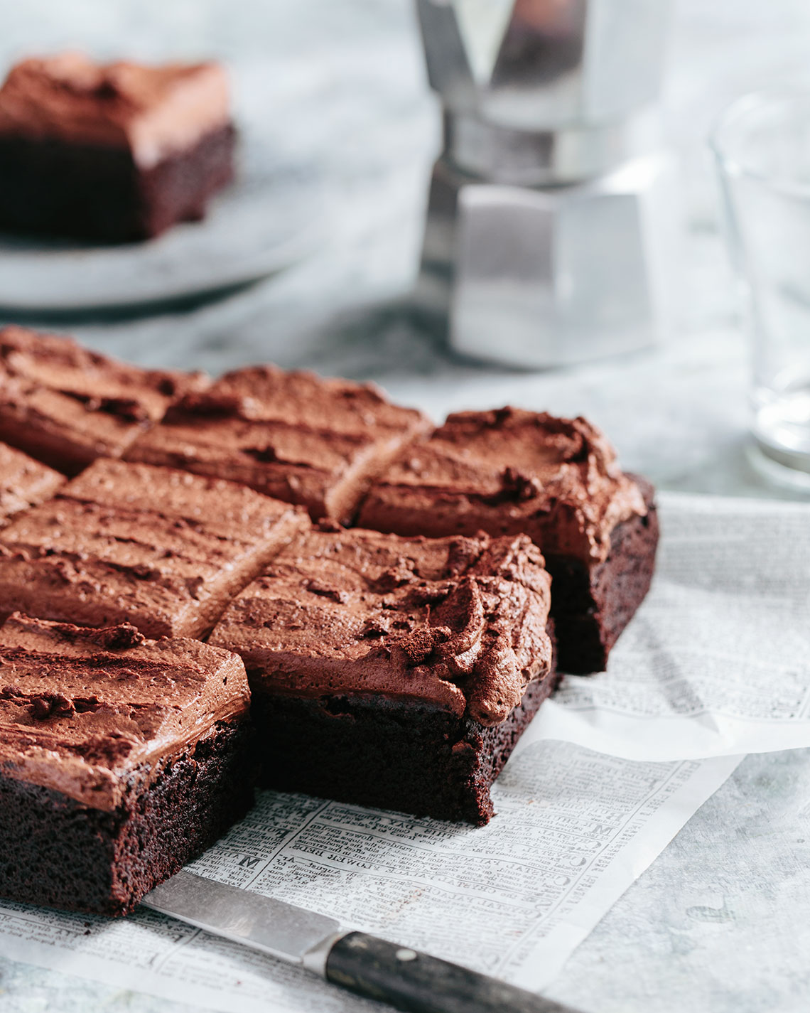 Kristin Teig Photography | Thick chocolate-pudding frosted brownies