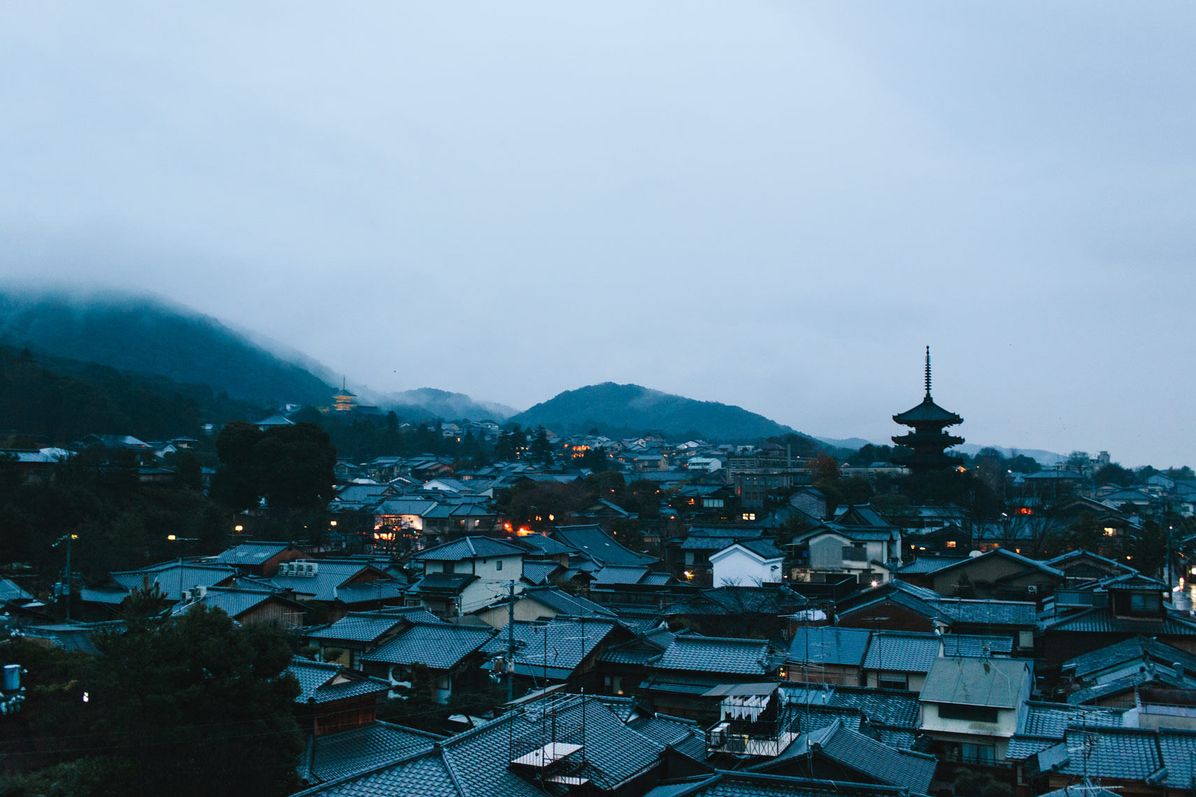 Kristin Teig Photography | Kyoto at dusk - Kristin Teig
